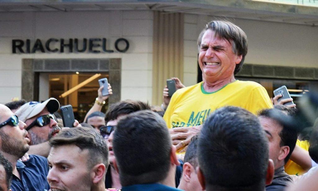 Imagem depois de Bolsonaro ser esfaqueado
