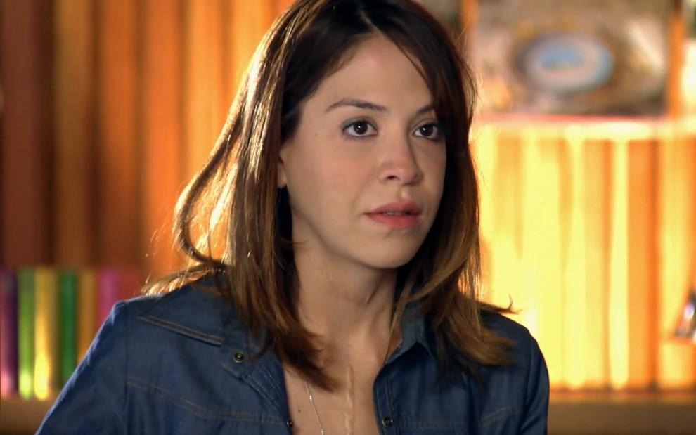 Lorena será demitida depois de ser flagrada com Lourenço (Reprodução: TV Globo)