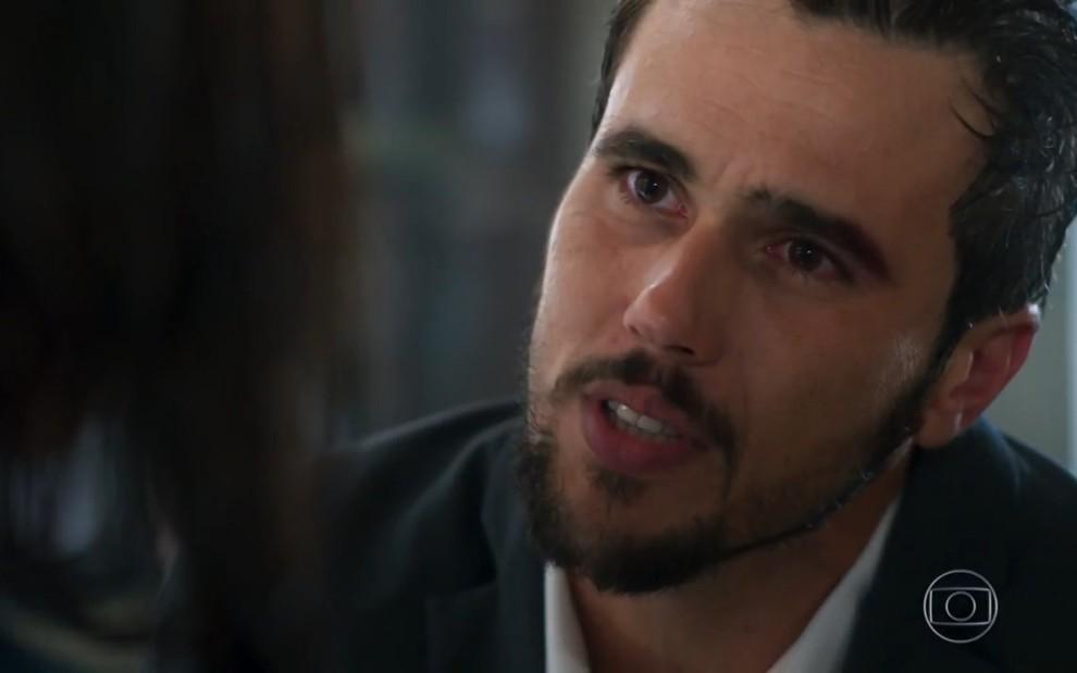Rafael busca Kyra e dá de cara com Alan (Reprodução: TV Globo)