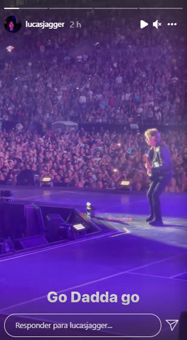 Lucas Jagger assiste a show do pai, Mick Jagger, vocalista do Rolling Stones