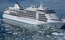 Cerca de 600 pessoas são mantidas em isolamento em navio no Recife
