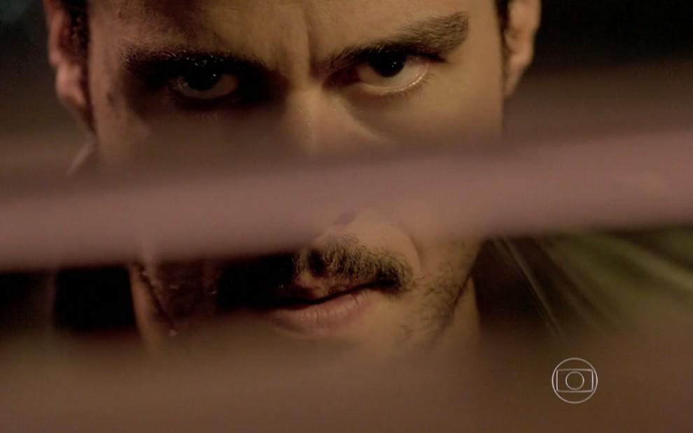 Enrico pode bater em Leonardo quando encontrá-lo na rua (Divulgação: TV Globo)