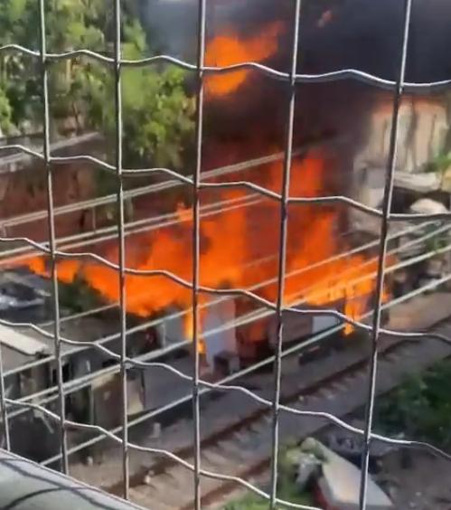Incêndio na estação de Del Castilho
