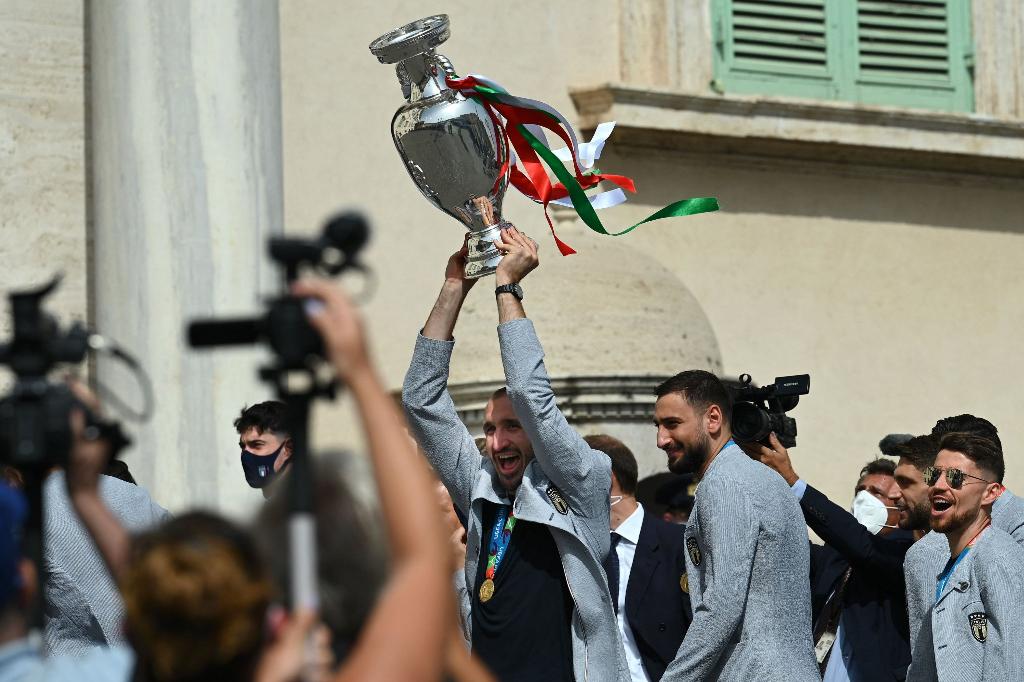 Delegação italiana desembarca em Roma