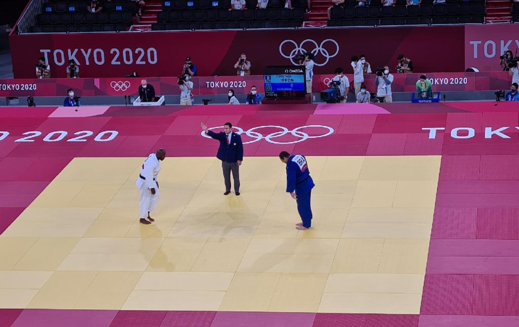 Brasileiro é derrotado pelo atual campeão olímpico