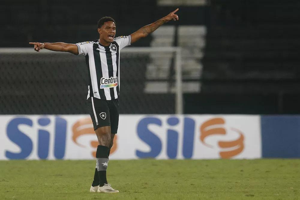 Lucas Mezenga teve boas atuações no alvinegro em 2021