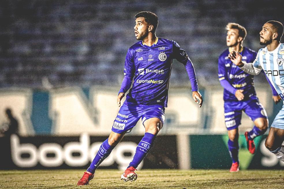 Tiago Reis deve ser titular contra o Botafogo