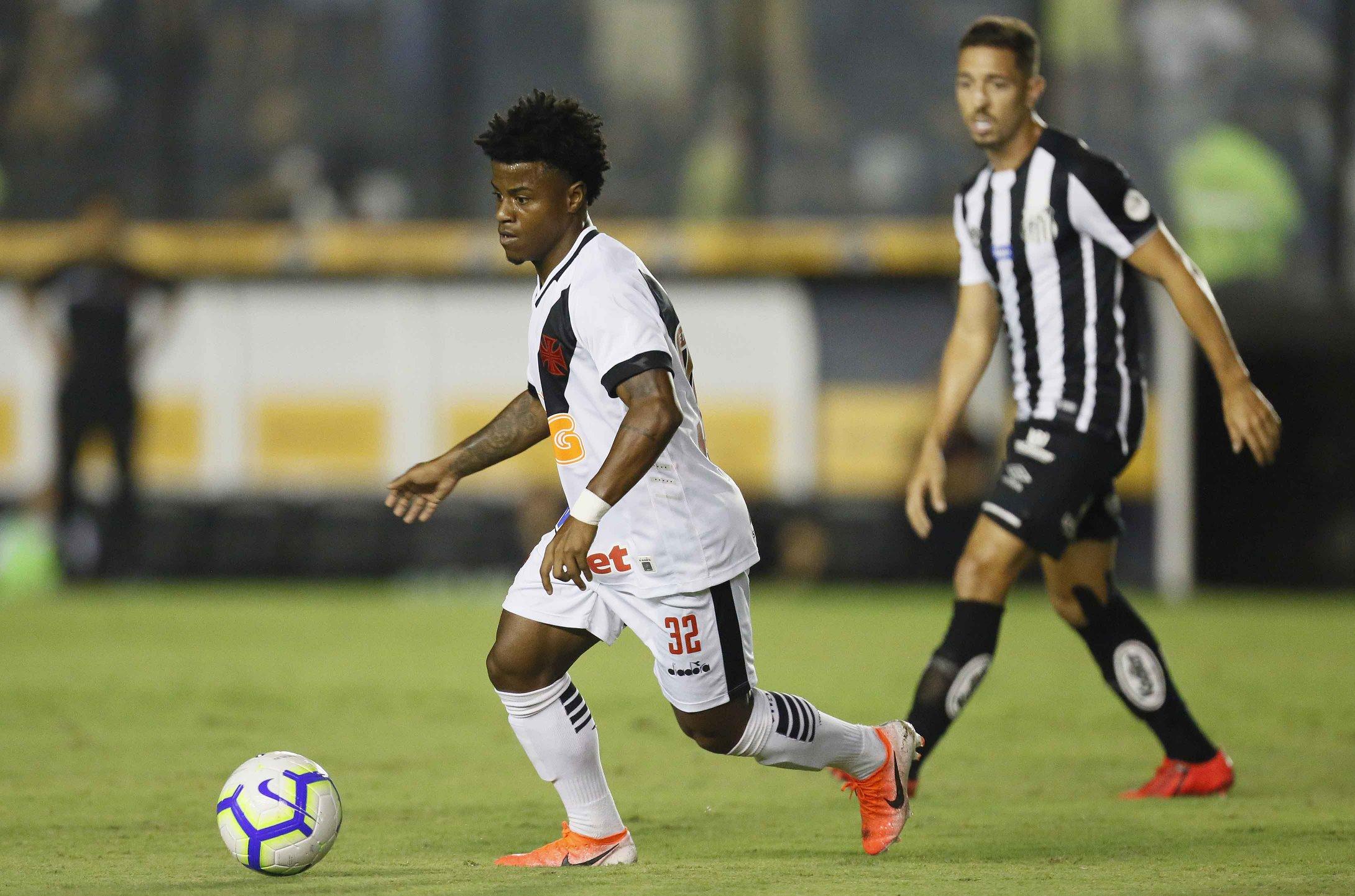 Lucas Santos em atuação pelo Vasco