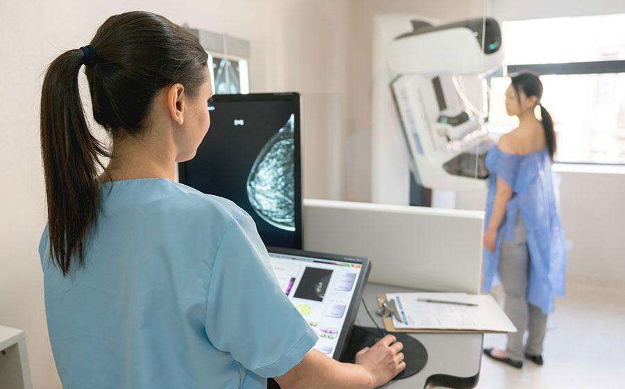 Pacientes faz Mamografia