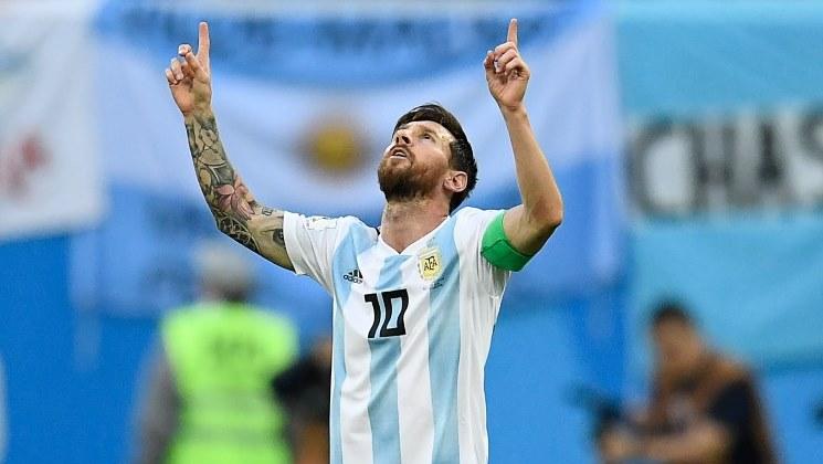 messi comemorando gol pela argentina