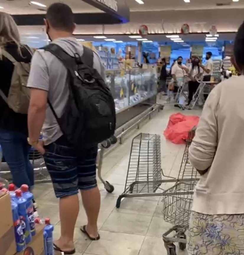 mulher morre em mercado