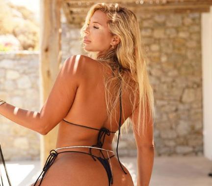 modelo brasileira que recebeu like do Papa