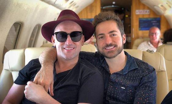 Paulo Gustavo e marido