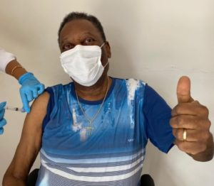 Pelé é internado em hospital de São Paulo