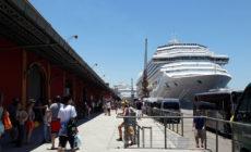 Turistas continuam chegando ao Rio para o Carnaval