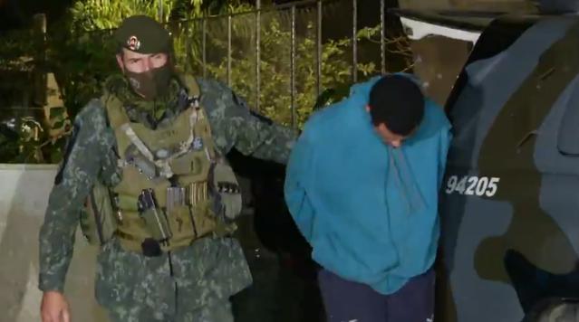 Polícia Militar de São Paulo prende integrantes da quadrilha do Pix. Foto: Reprodução Tv Globo