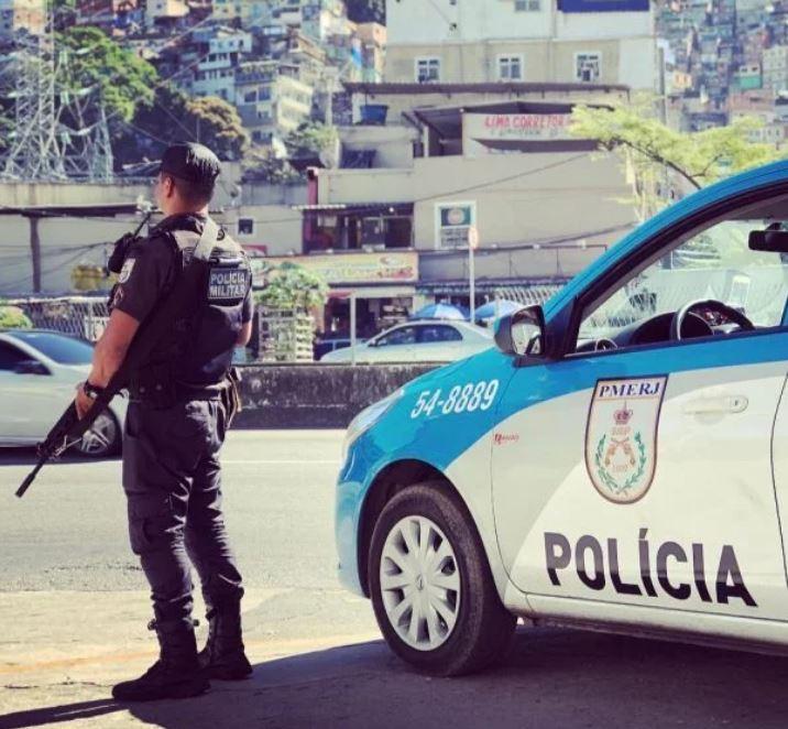 policial e viatura