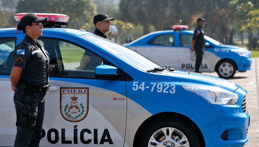 carros da polícia e pms