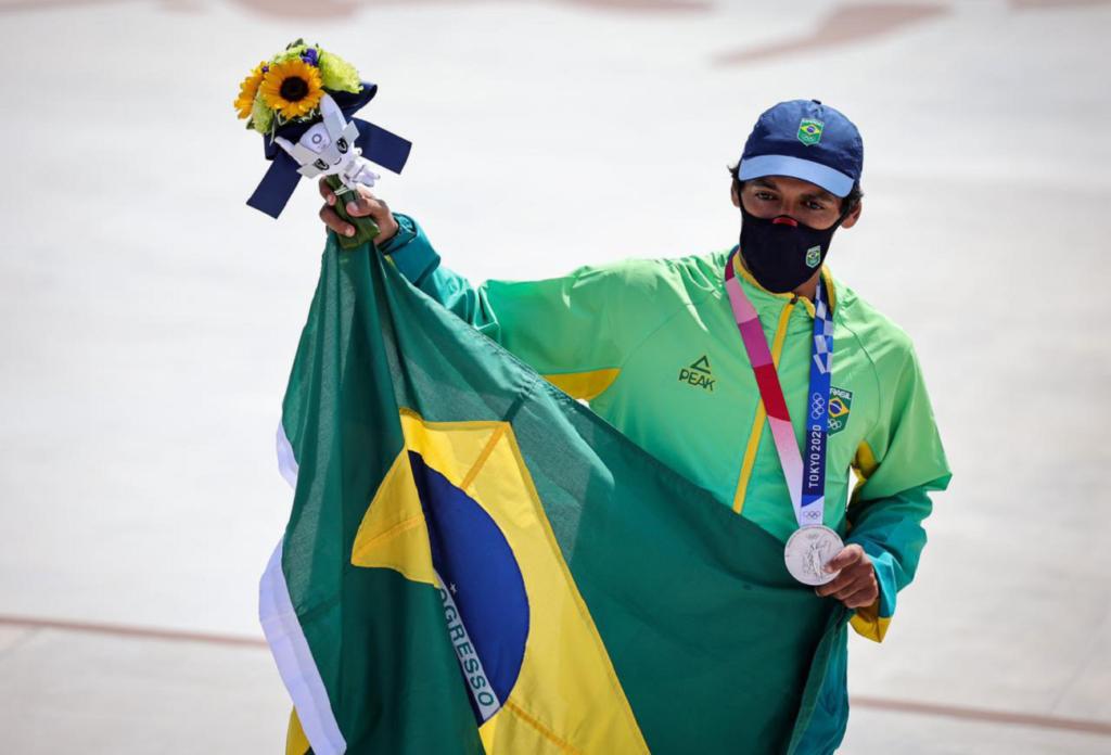 Gustavo Hoefler conquista primeira medalha do Brasil