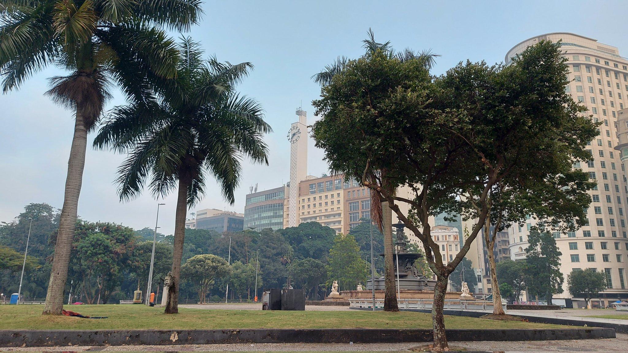 Na imagem, visual da praça Mahatma Gandhi, no Centro do Rio de Janeiro