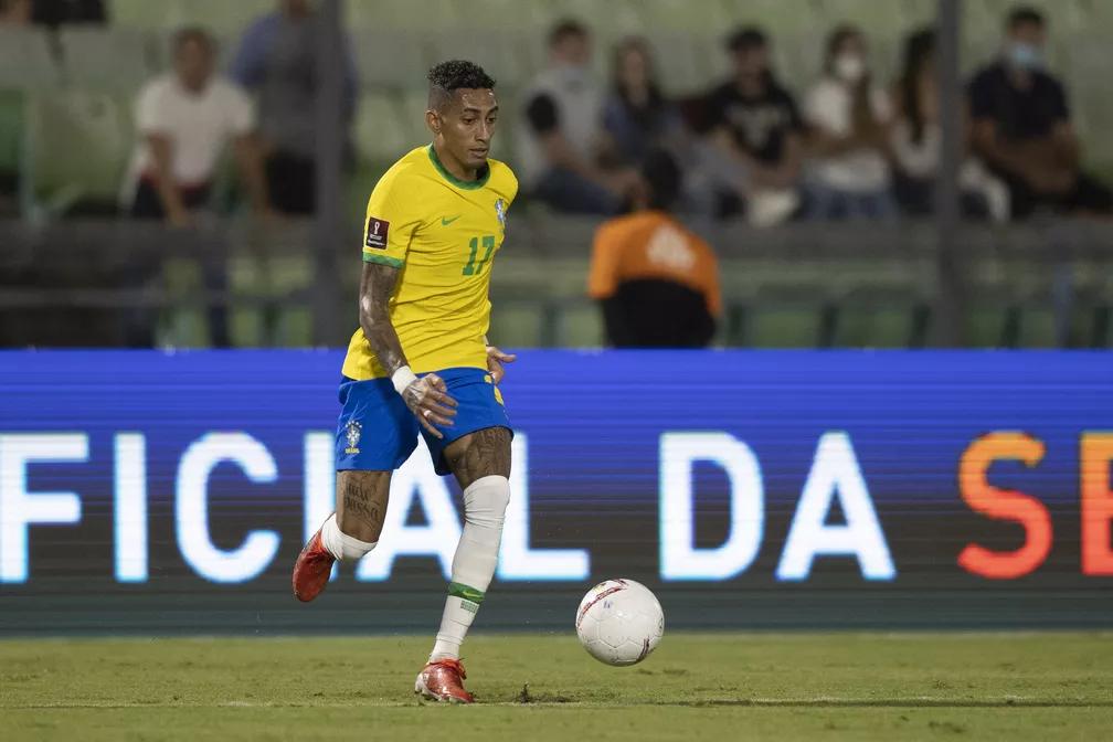 Raphinha em ação pela Seleção Brasileira
