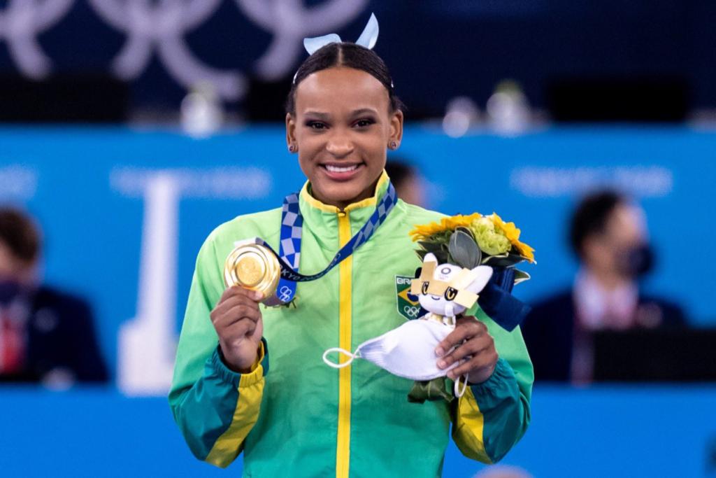 Brasileira tem apresentação excelente e sobe ao lugar mais alto do pódio