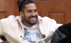 Bil Araújo afirma que sofre preconceito por ser bonito