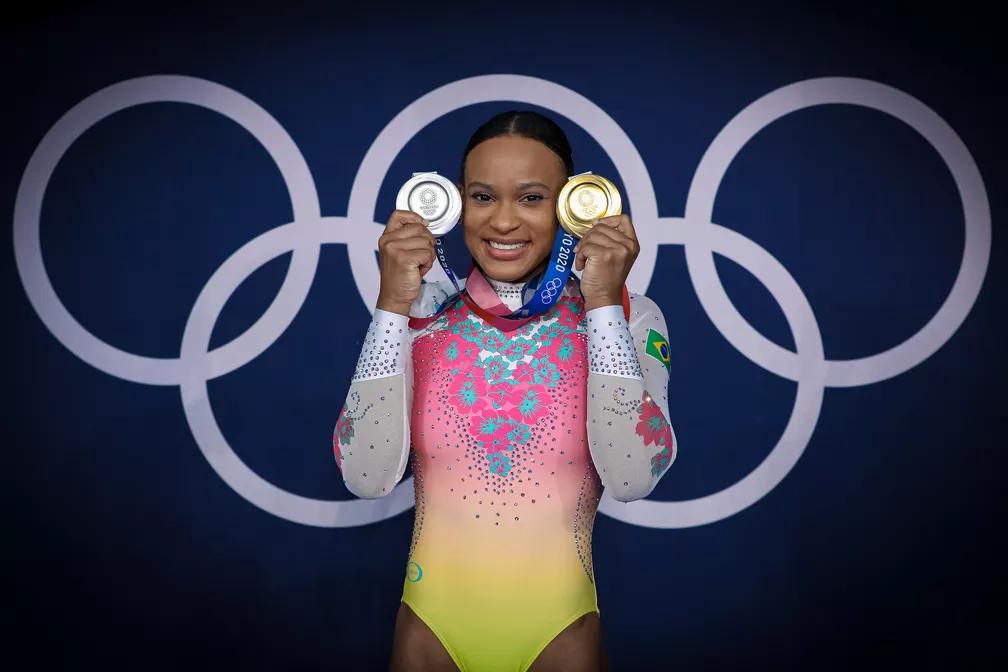 Rebeca Andrade é escolhida como porta-bandeira do Brasil no encerramento dos Jogos