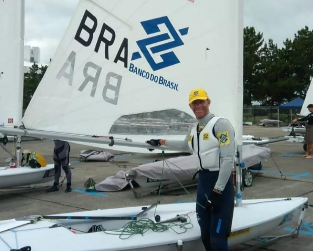 Brasileiro terminou primeira regata na 11ª colocação