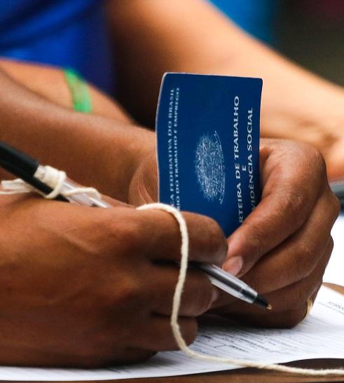 Imagem de uma carteira de trabalho
