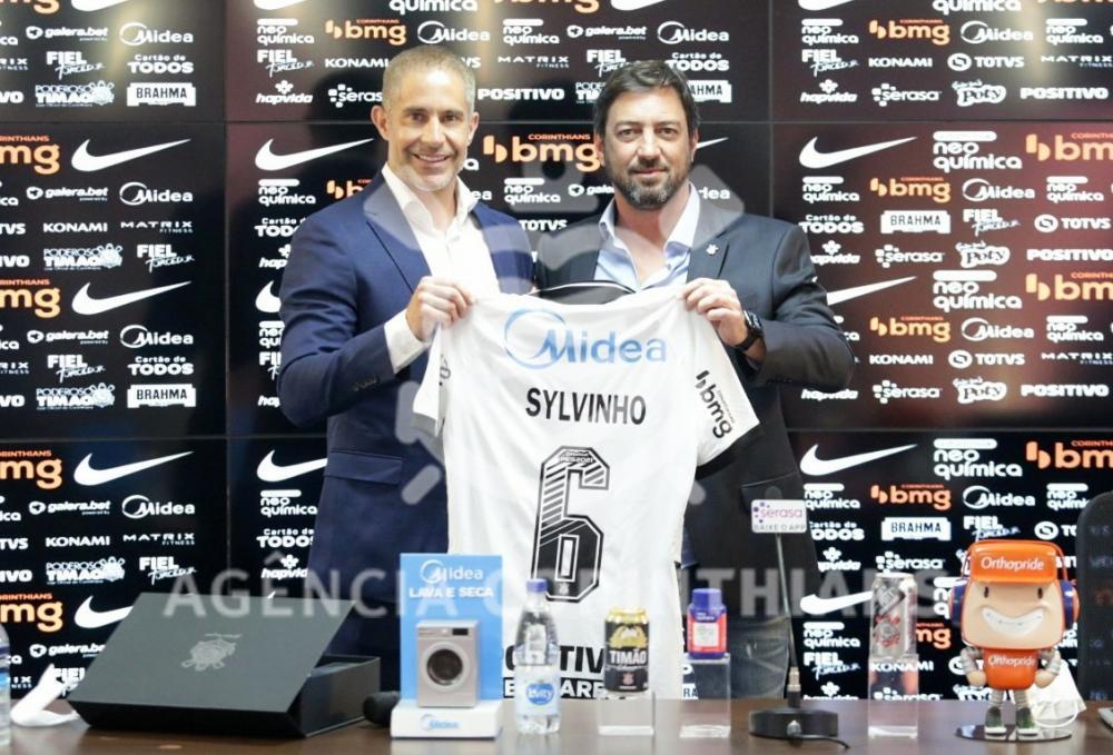 Novo técnico do Corinthians é apresentado no clube