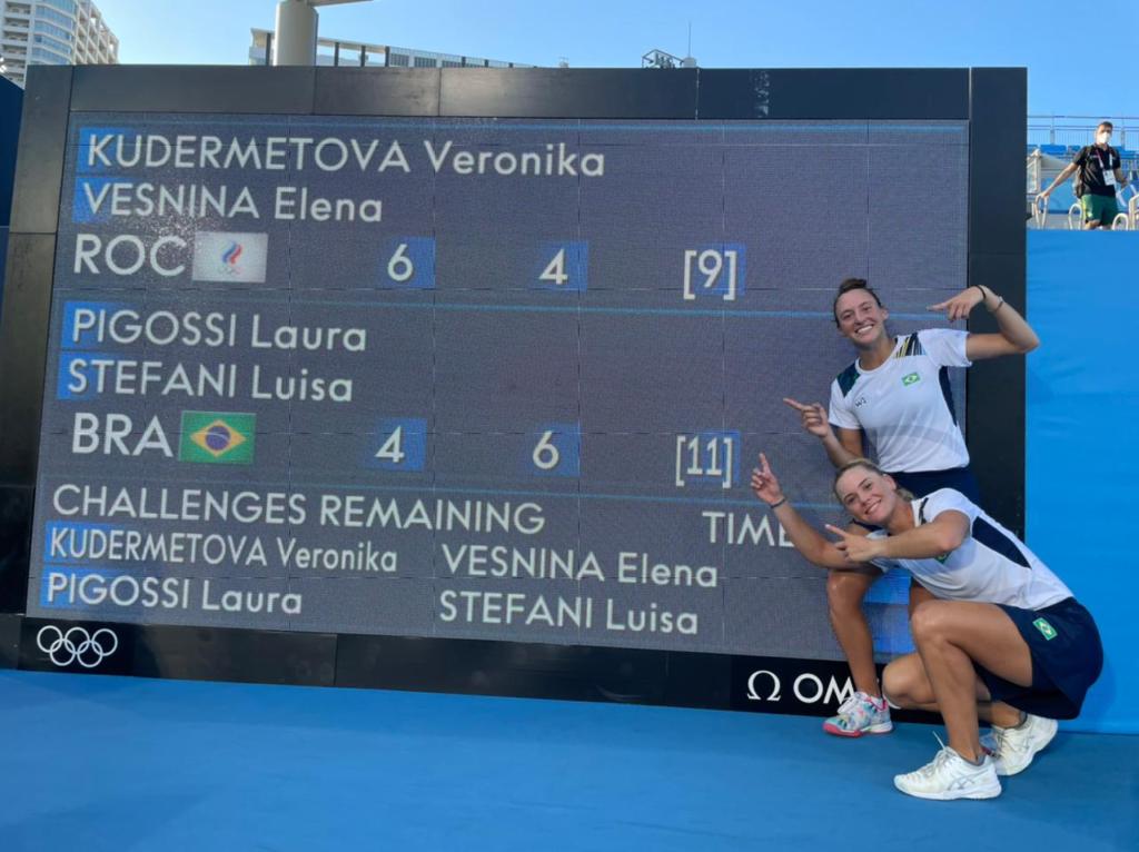 Luisa Stefani e Laura Pigossi conquistam medalha de bronze para o Brasil no Tênis