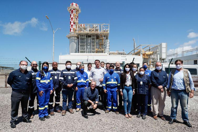 Imagem de inauguração de termelétrica com a presença de Jair Bolsonaro
