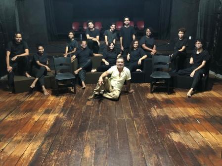 Alunos em curso em teatro de Duque de Caxias