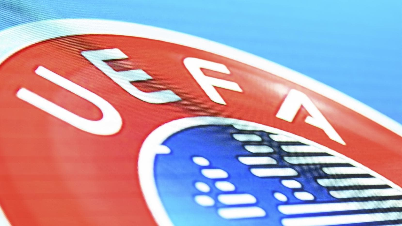 UEFA confirmou o reinício da partida