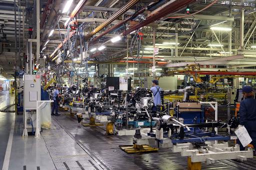 Trabalhadores em uma indústria