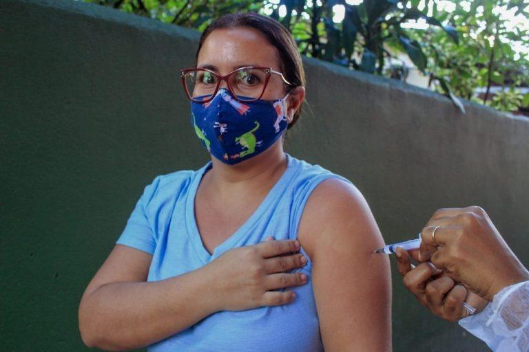 Nilópolis revacina mais de 370 pessoas que tomaram doses vencidas