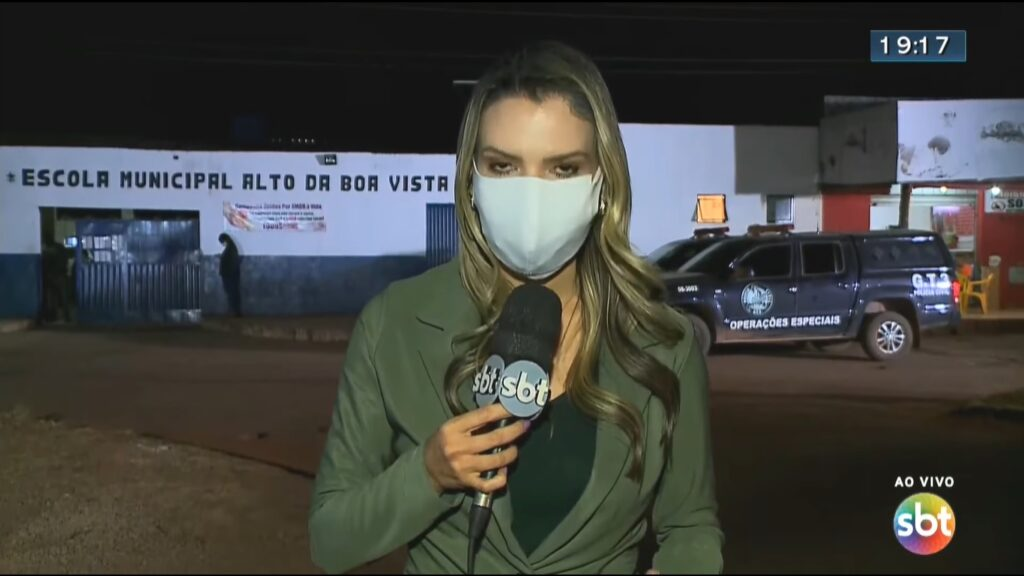 Vanessa Vitoria, repórter do SBT atacada por pitbull