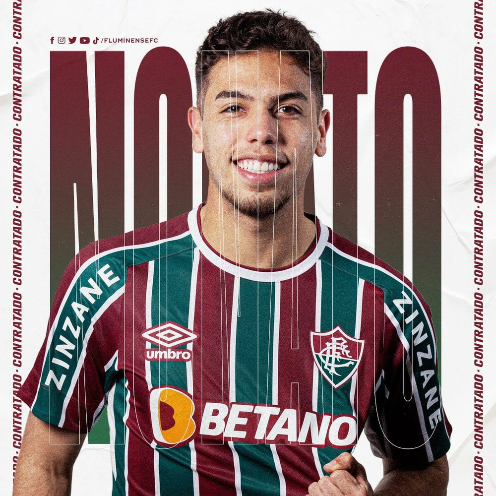 Nonato com a camisa do Fluminense