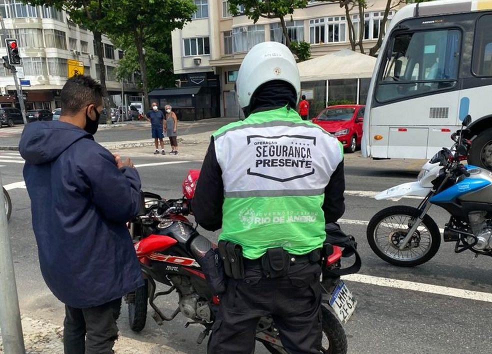 Nova ferramenta da PM do RJ vai reduzir tempo de abordagem nas ruas