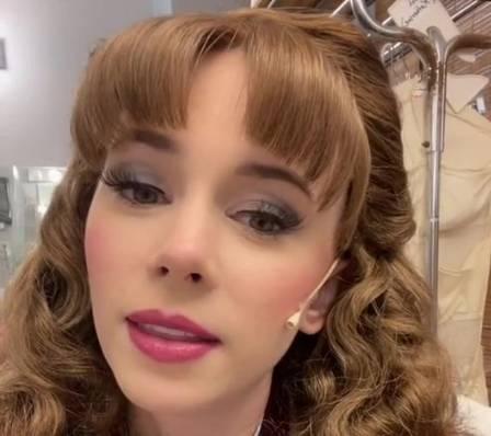 Sarah Daniels, ex-princesa em parque da Disney
