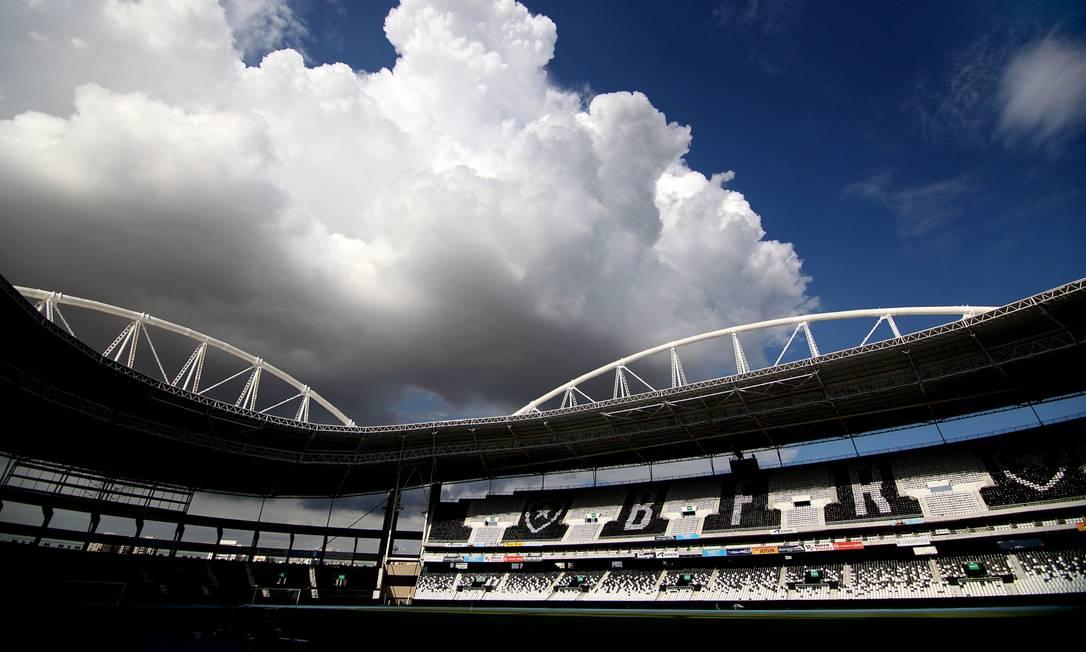 Foto panorâmica do estádio Nilton Santos do Botafogo