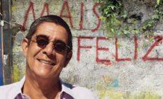 Zeca Pagodinho aguarda vacina e exalta compositores brasileiros